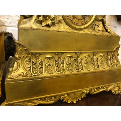 Đồng hồ tượng công chúa Pháp cổ