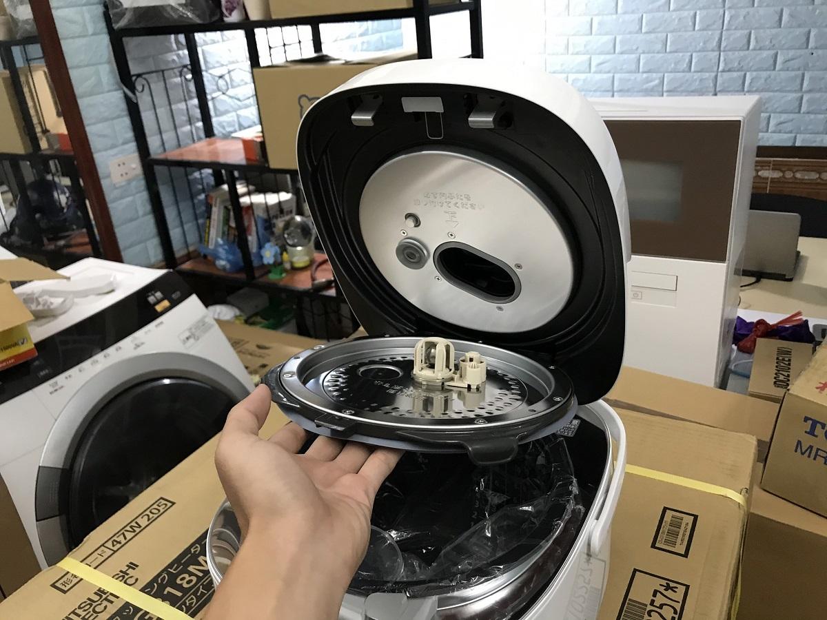 Nồi cơm điện Toshiba RC-18E6VS (1,8 lít) cao cấp nhất | hangnhattoday.com